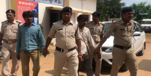 छतरपुर पुलिस को मिली बड़ी सफलता, अवैध हथियारों की फैक्ट्री को किया जब्त